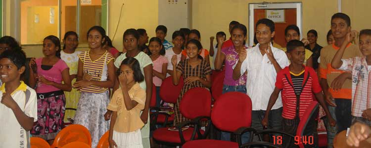 Students from Sidhdhartha Public School at Horizon Lanka English camp