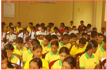 Students from Horizon Lanka and Ashoka Mala