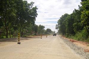 Puttalam - Anuradhapura Road being repaired