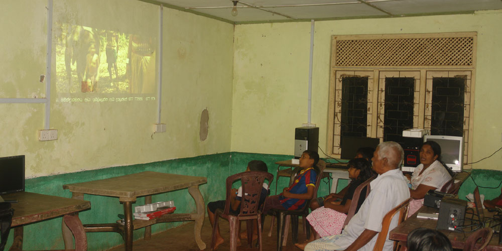A brand new multimedia projector to Horizon Lanka