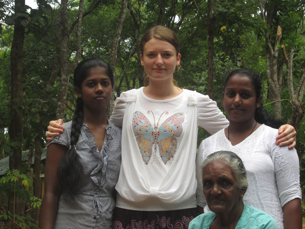 Klára Gebhartová with Madhuri, Jeewani and Amma