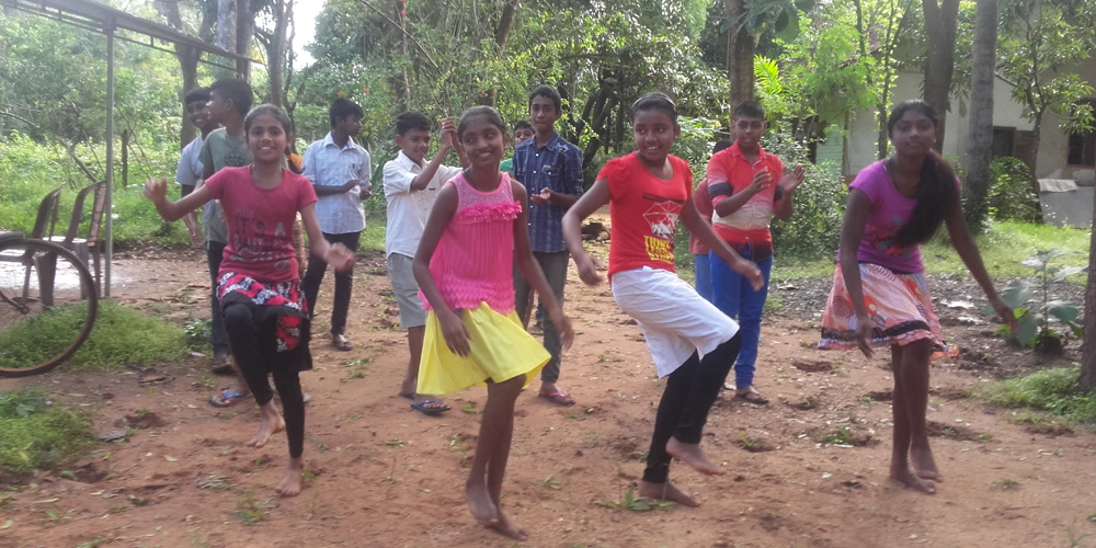 Horizon Lanka Dancers Practicing Ivan Pavuloosha Dance