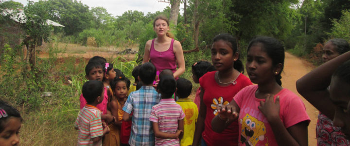 Klara Gebhartova with the students of Horizon Lanka