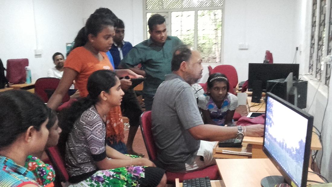 Nuwan Samaranayake teaching us computers