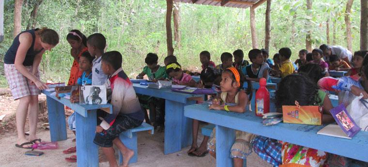 Escola-Rural-Sri-Lanka-Tecnologia2