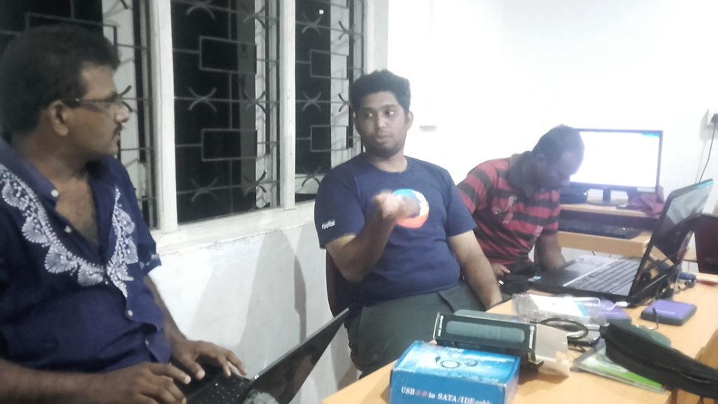 Mr. Nanda Wanninayaka, Mr. Nuwan Indika with the students