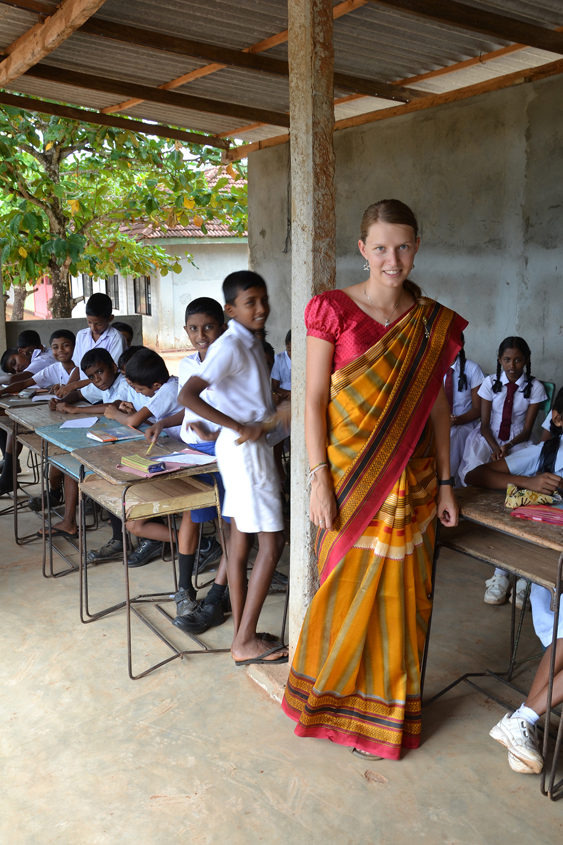 Teaching English at local school - wearing ´sari´ is necessary!