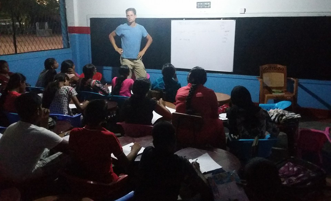 Horizon Lanka Vakarai students with a foreign volunteers