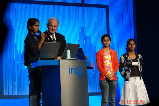 Radhika, Ruvini, Iresha and Nanda Wanninayaka with Intel Chairman Dr. Craig Barret