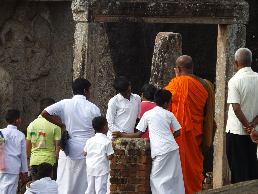 Pilgrims at Tantirimale temple, Mahawilachchiya