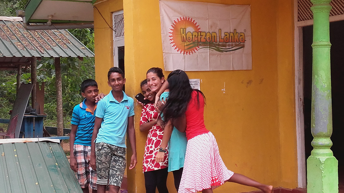 Cristina Medina with Horizon Lanka students