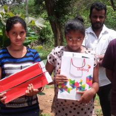 The Country Music Foundation donates 5 Dialog Winpads to Horizon Lanka