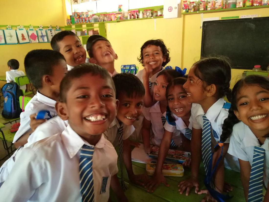Students of Gamini School, Mahawilachchiya