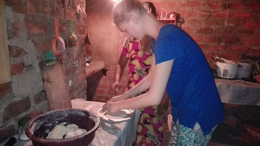 Lucie Barbier learning to cook Sri Lankan cuisine