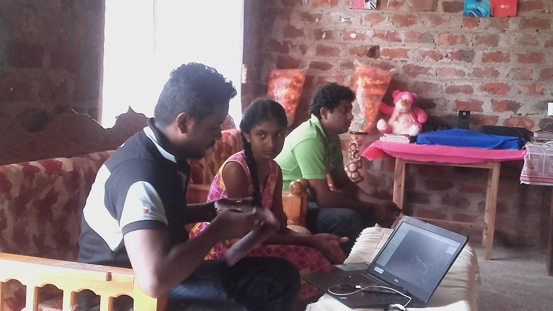 Dialog technical team at Aruni Apsara's house in Mahawilachchiya