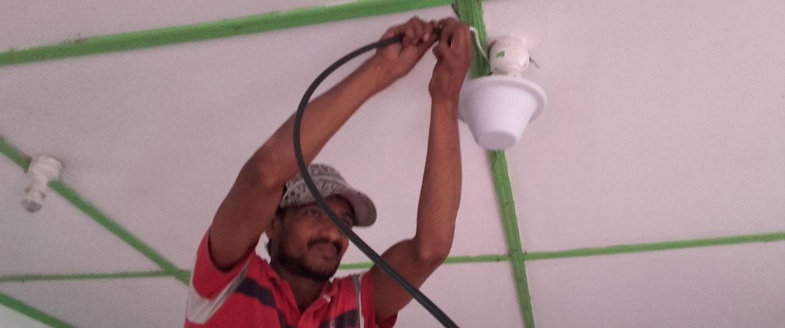 Dialog team installing CenRF TriBand Yagi Antenna at Horizon Academy - Mahawilachchiya