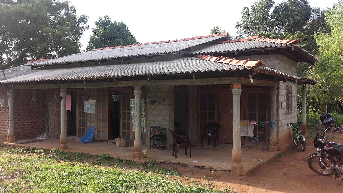 Nadeeka's house and the spacious garden. Horizon Academy will be held here.