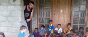 Jess Williamson teaching the students at Horizon Academy - Ralapanawa