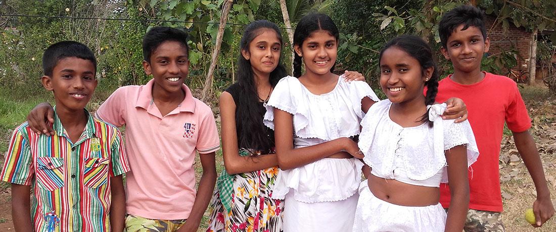 ralapanawa-students-3