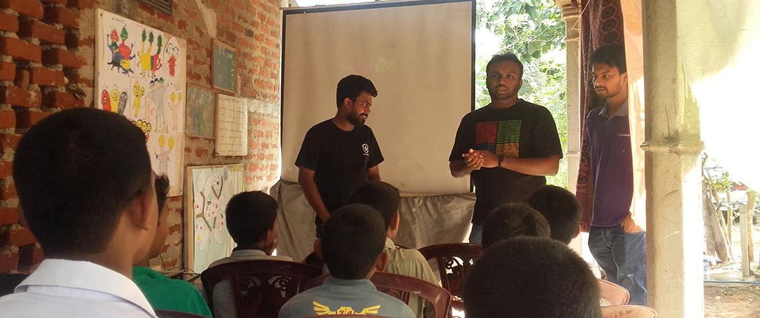 Coderdojo Sri Lanka team teaching
