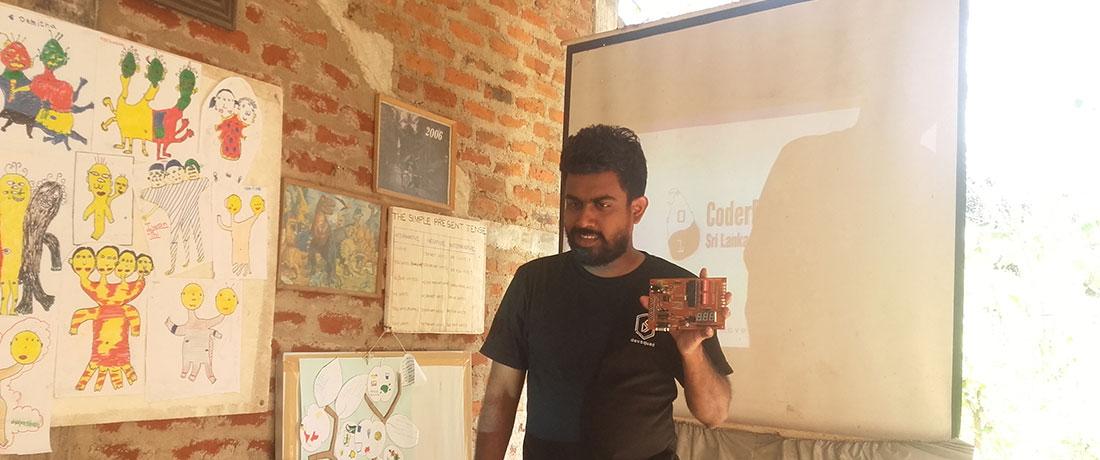 Mr. Dilupa Jayanatha Peiris doing a lesson