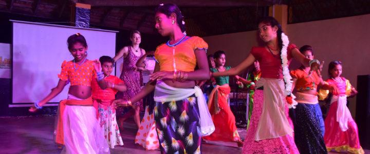 "17. ""Ran Pokunen Diya Nagena Enne"" – Horizon Lanka Mega Concert – 2017"